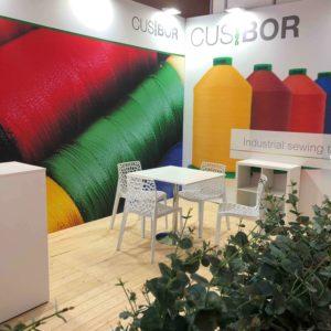 Cusbor: stands con valor añadido